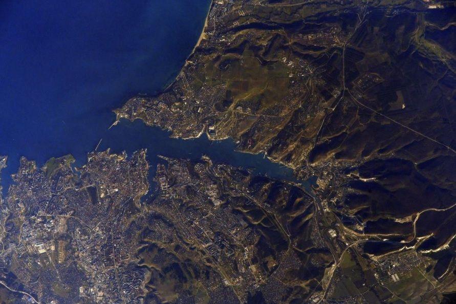 Российский космонавт показал фото Севастополя с борта МКС