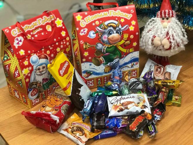 Выдача новогодних подарков в Севастополе продолжится до середины февраля