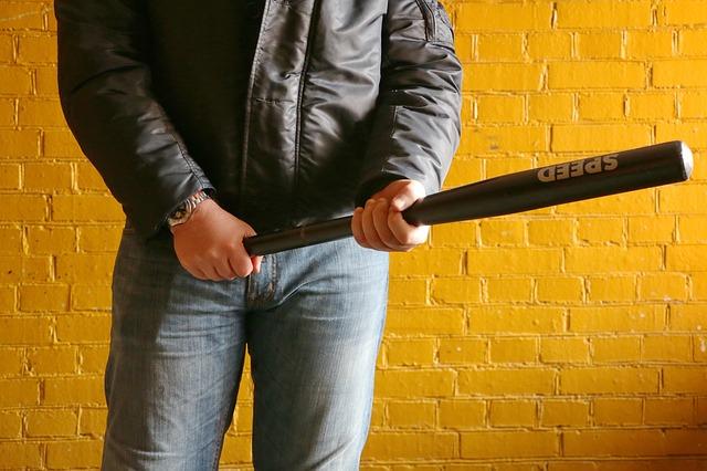 Пьяный спор: крымчанин проверял болевой порог товарища и случайно его убил