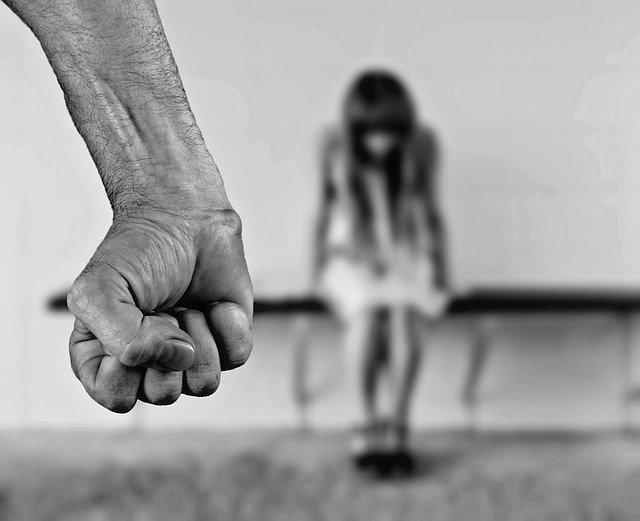 10 человек задержали за серийные половые преступления в Крыму в прошлом году