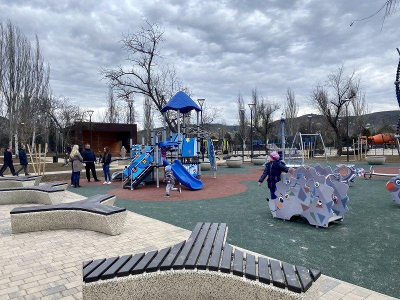 Горхоз Севастополя благоустроит почти 200 придомовых территорий