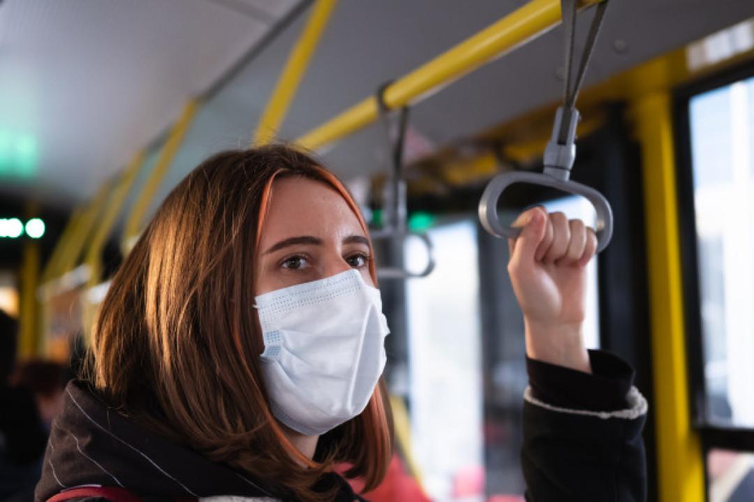 Севастопольцев просят сообщать о пассажирах транспорта без масок