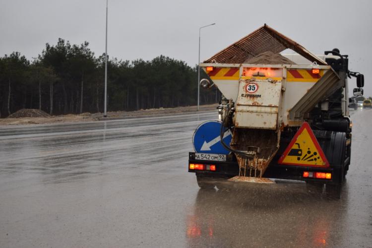 Севастопольских водителей предупреждают о заморозках и мокром снеге