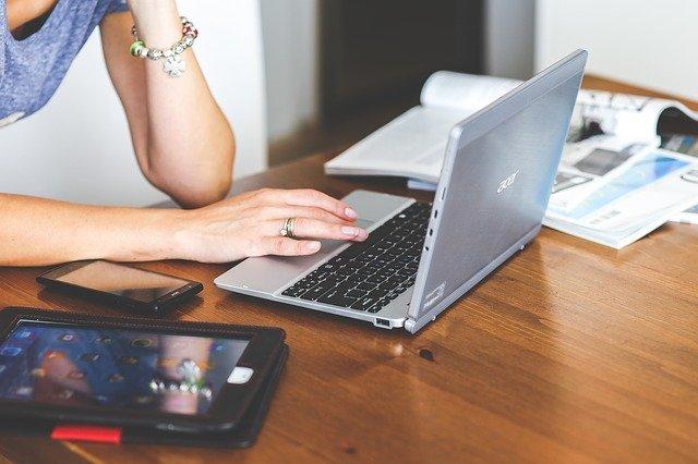 Психолог дал советы, как побороть зависимость от соцсетей