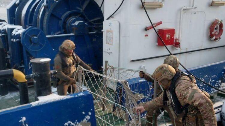 Украинских моряков из Одессы тайно переправляли на работу в Крым