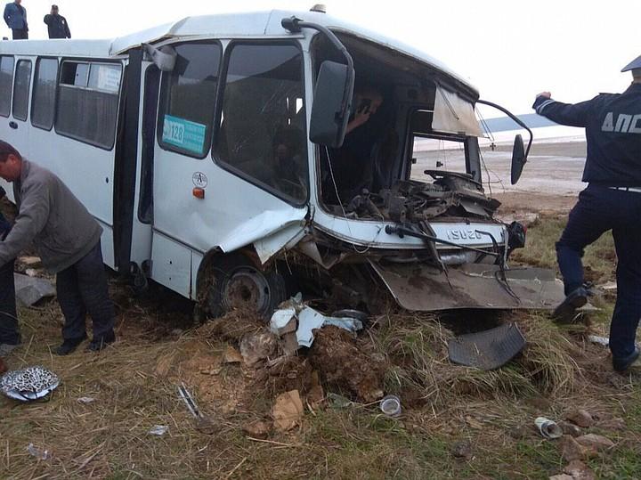 Водителя разбившегося под Керчью автобуса осудили за гибель пассажиров
