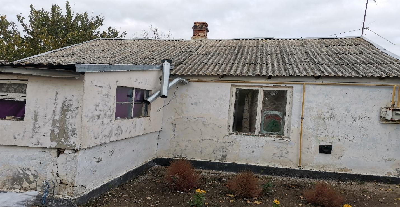Суд Крыма отстранил чиновницу от должности из-за разрушенного дома, предоставленного сироте