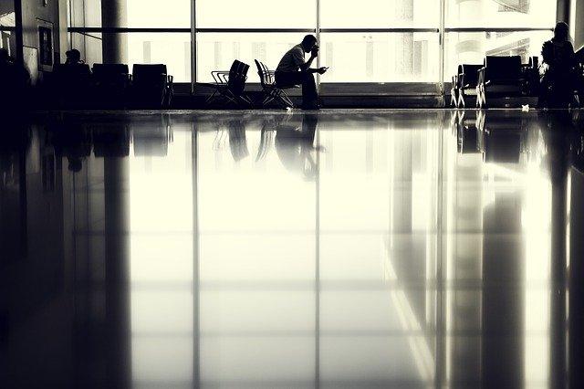 Из-за непогоды в аэропорту Симферополя задерживаются рейсы