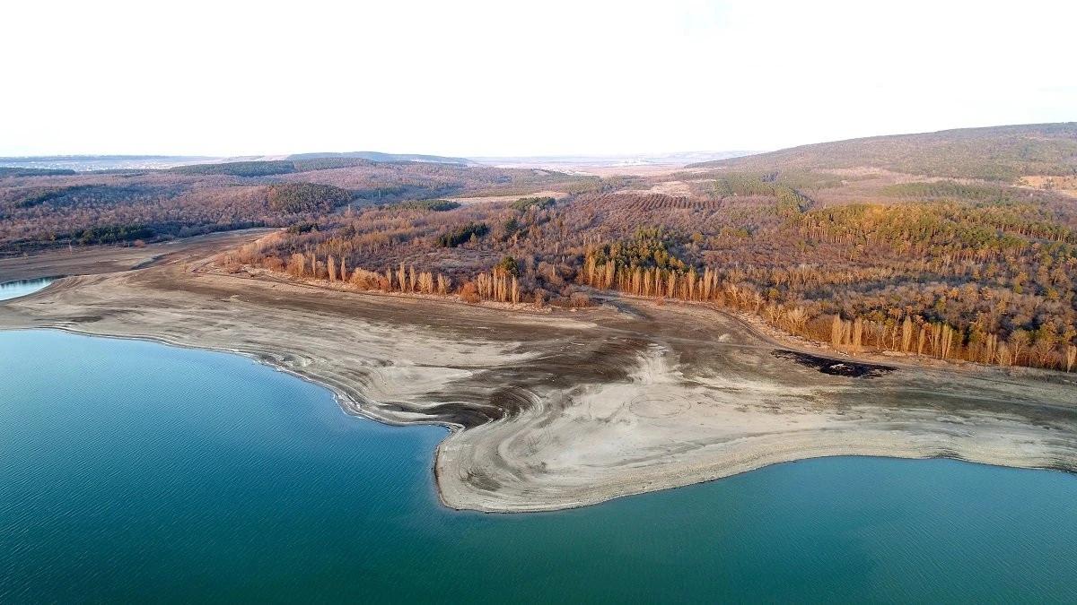 В Симферопольском водохранилище почти не осталось воды