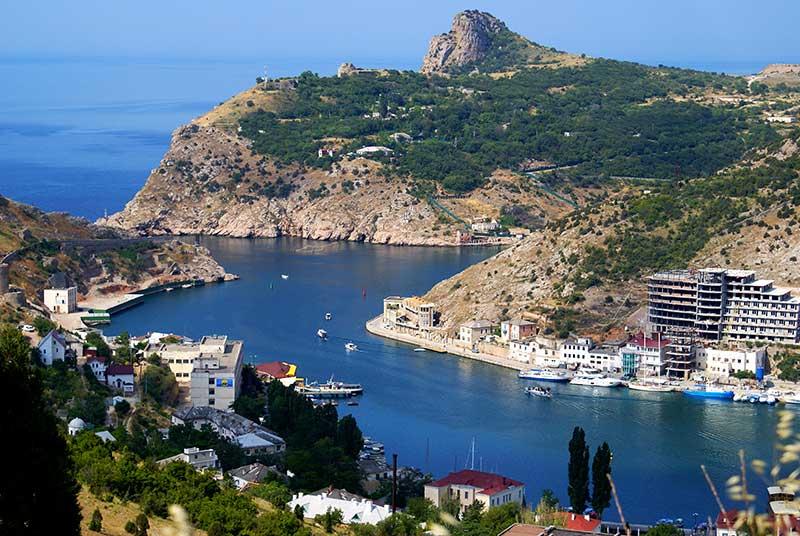 В Крыму и Севастополе построят шесть яхтенных марин