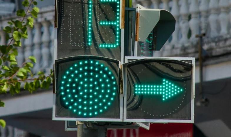 В Севастополе планируют установить 20 «умных» светофоров