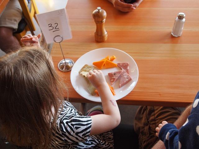 Севастопольских школьников кормили с нарушением норм