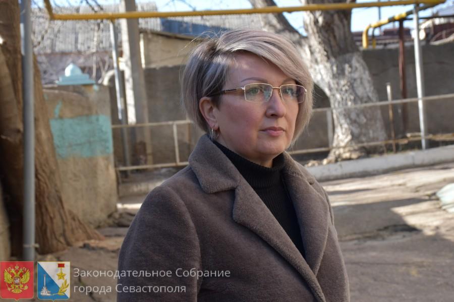 Как депутат Щербакова подпорную стену восстанавливала