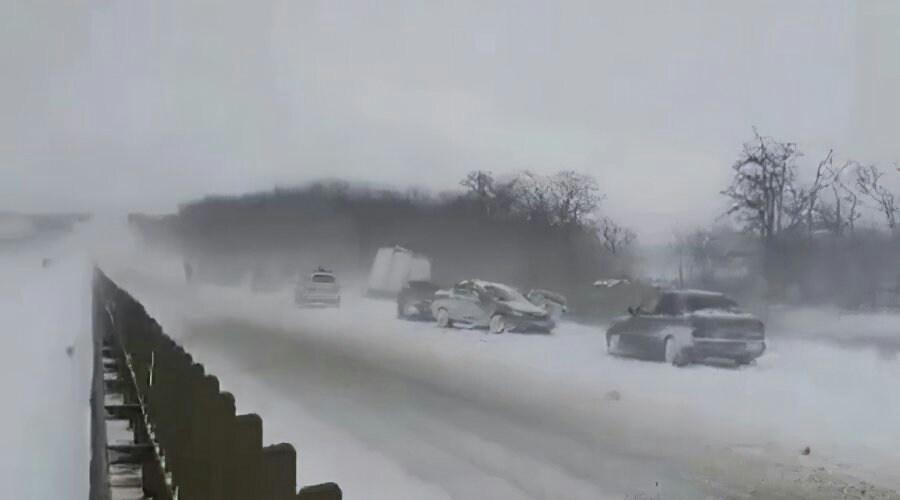 На трассе под Симферополем в аварию попали 32 автомобиля