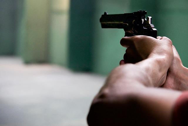 В феодосийской поликлинике устроили стрельбу