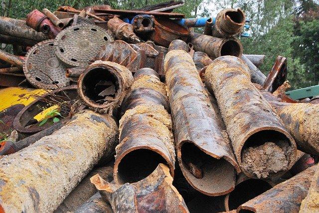 В севастопольской балке Бермана устроили свалку строительного мусора