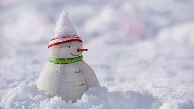Движение к поселкам под Феодосией и Коктебелю заблокировано из-за снегопада