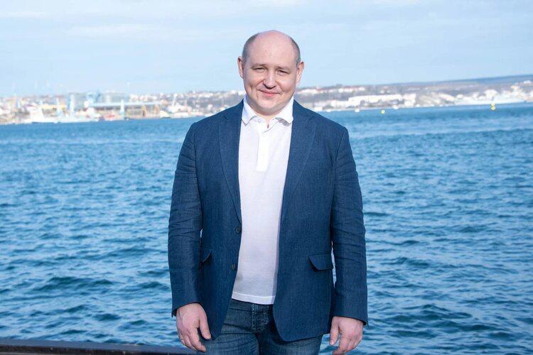 «Совершаете подвиг в мирное время»: губернатор Севастополя поздравил горожанок