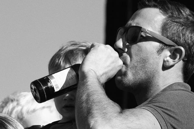 Пьяный симферополец разгромил чужой внедорожник