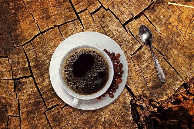 Названа польза вина и кофе