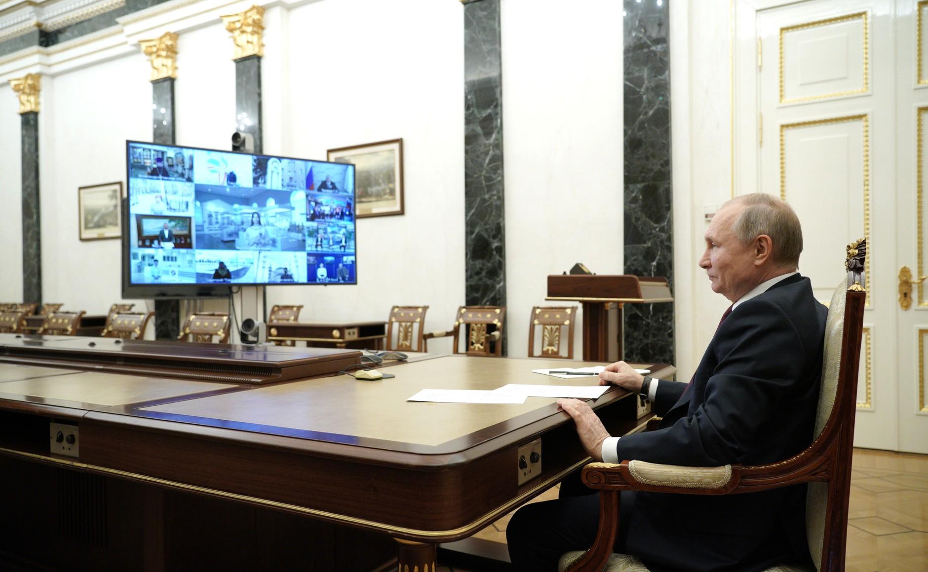 Путин: Крым должен принимать до 10 миллионов туристов в год