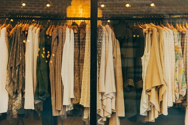 В Керчи предприниматели торговали репликами известных брендов