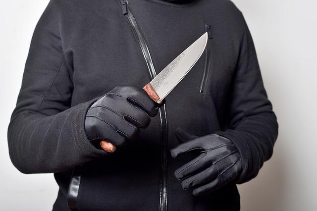 Крымчанин в ходе конфликта пырнул ножом своего товарища