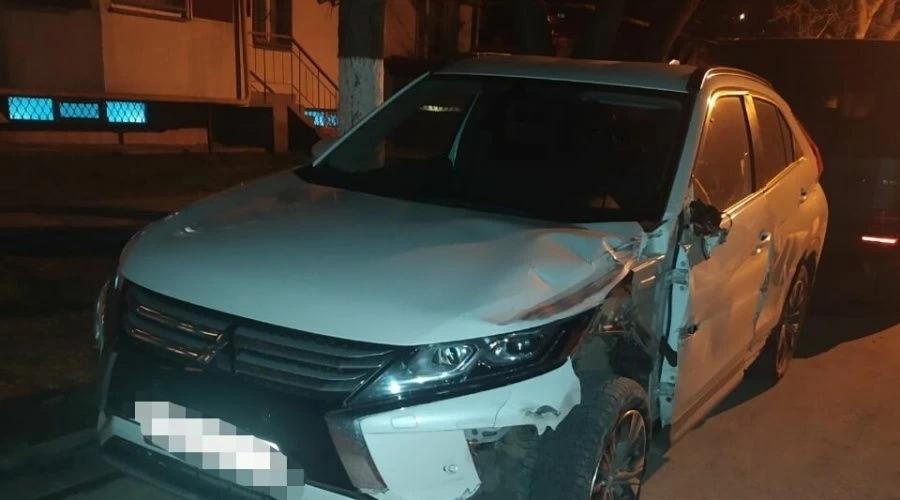 В Крыму водитель сбил мотоциклиста на Harley и убежал