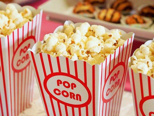 Россиянам запретят проносить еду в кинотеатры — СМИ