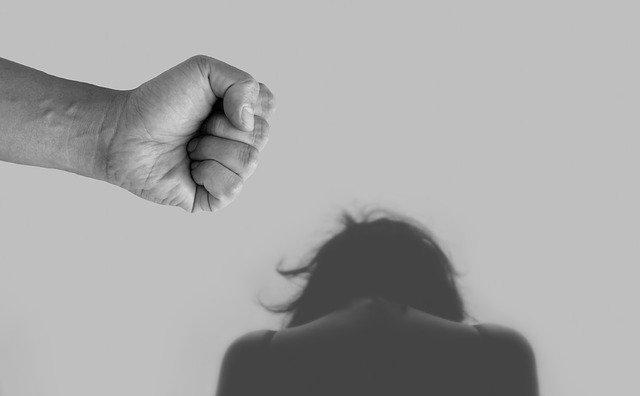Блогера из Крыма обвиняют в сексуальных домогательствах