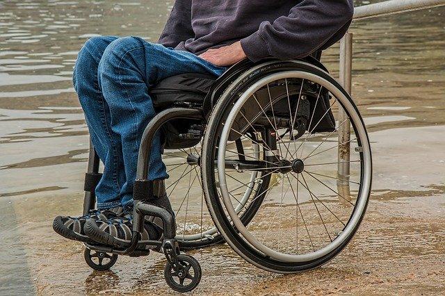 В Крыму грабитель избил пенсионера велосипедным насосом и сделал его инвалидом