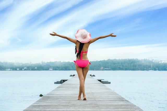 Летний курортный сезон в России начнется на месяц раньше