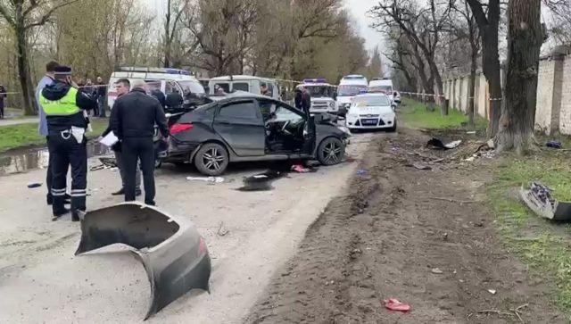 Праздновали 14-летие: в ДТП в Ростовской области погибли пятеро школьников (фото, видео)