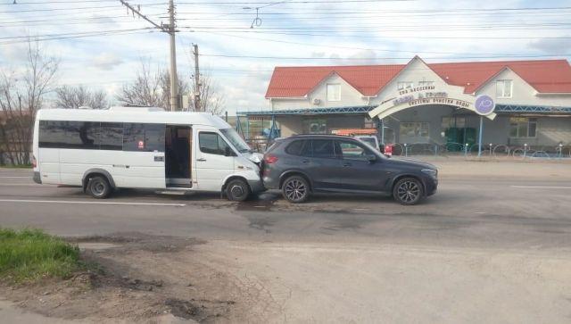 В Крыму попал в ДТП рейсовый автобус с людьми, есть пострадавшие