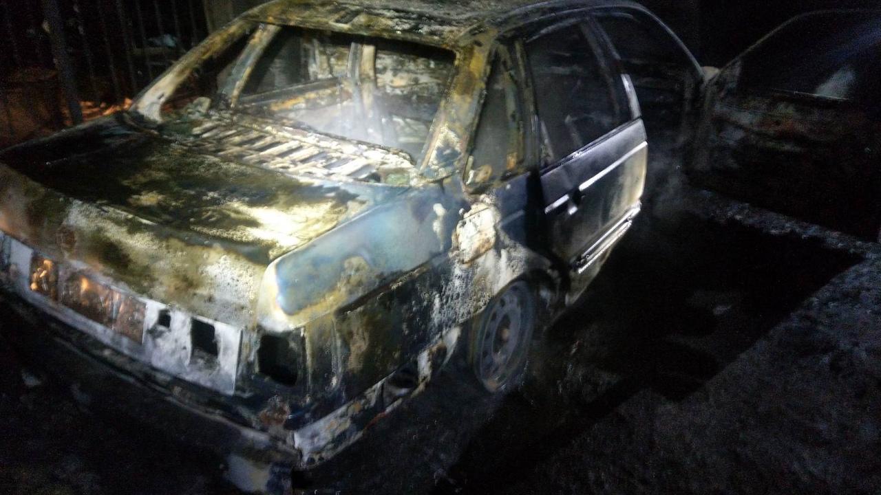В Алуште сгорел автомобиль