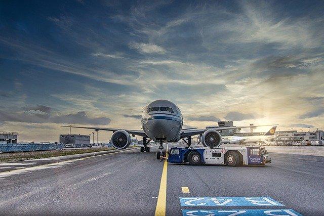 В аэропорту Симферополя сел самолет с неисправным шасси