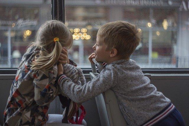 Стало известно, какое наказание будет грозить за высадку детей из транспорта
