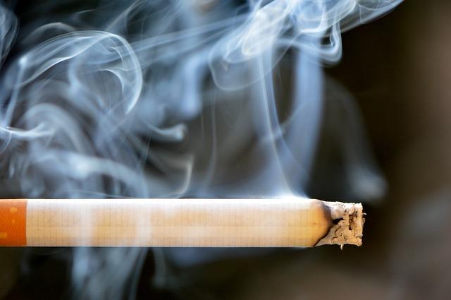 Симферополец получил удар ножом в живот за отказ одолжить сигарету