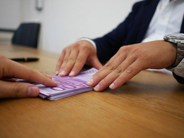 Крымчанка пыталась взять миллионный кредит по поддельным документам