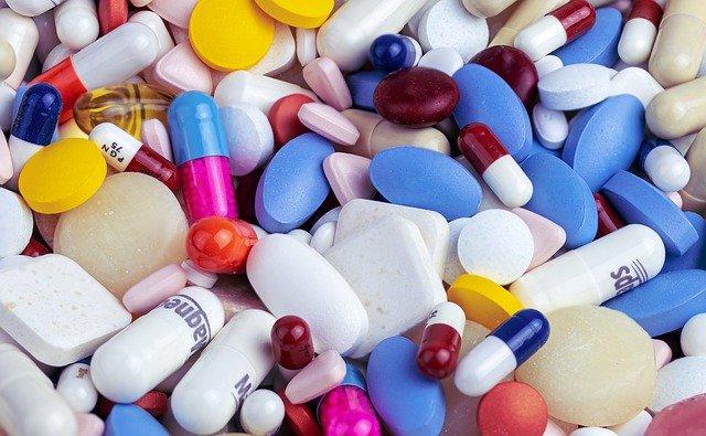 Названы лекарства, которые опасно принимать без назначения врача