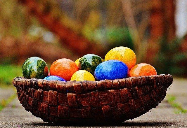 Как правильно выбрать яйца и куличи к Пасхе