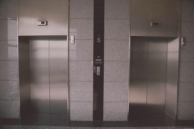 В Симферополе банда вывела из строя почти 60 лифтов