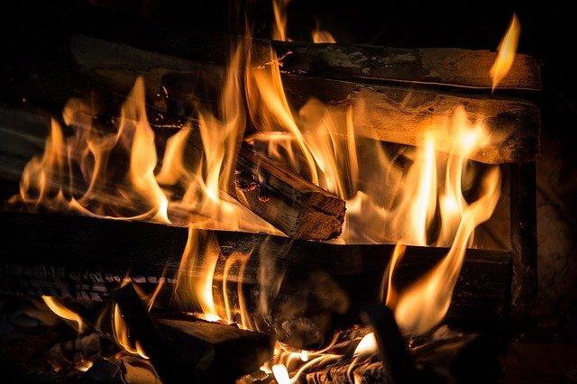 В Севастополе горела квартира в многоэтажном доме