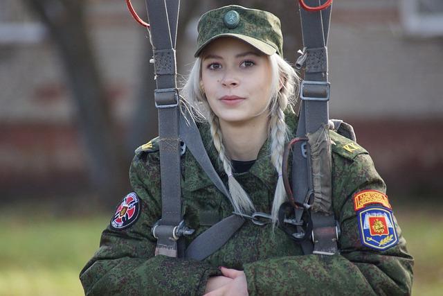 В Крыму среди поступающих в военные вузы отметили большое количество девушек
