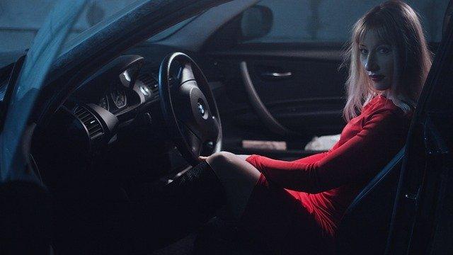 Крымчанка во время прогулки угнала автомобиль