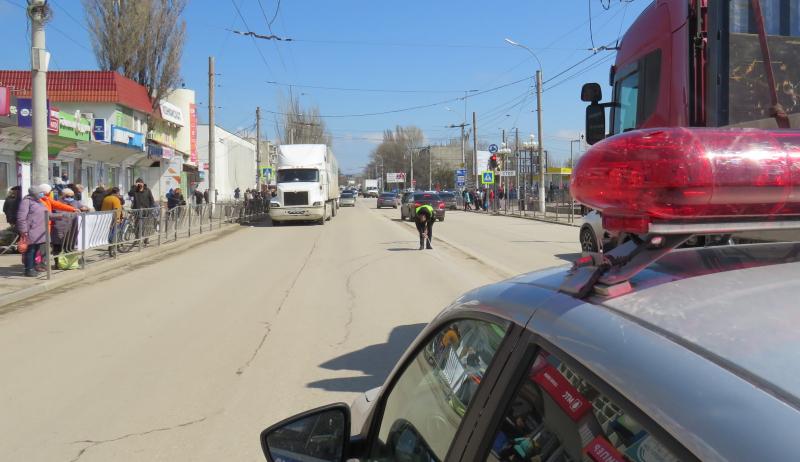 МВД проведет проверку по факту ДТП в Керчи, в котором грузовик сбил мужчину