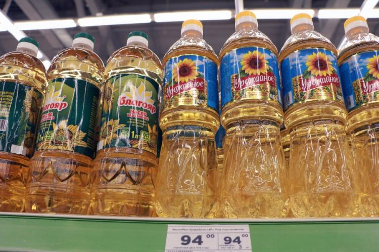 В Севастополе зафиксируют стоимость подсолнечного масла и сахара