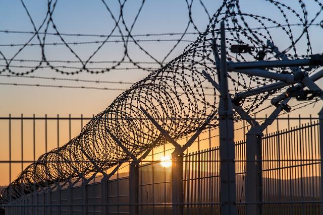 Отсидевший 22 года россиянин попался в Крыму на «криминальных заработках»
