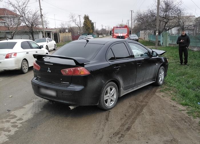 В Крыму столкнулись две иномарки, есть пострадавший (фото)