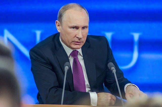 Зеленский вызвал Путина на разговор в Донбассе